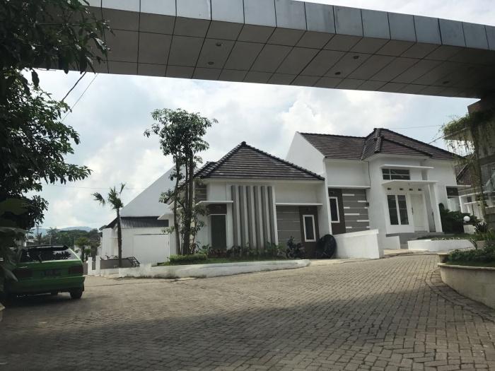 Villa syariah di Batu